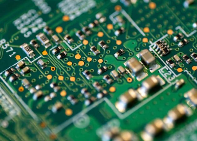 Component-Shortage--how-does-it-affect-two-way-radio